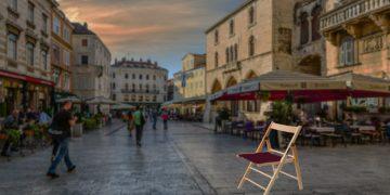 el ayuntamiento dará sillas a los nuevos locales.