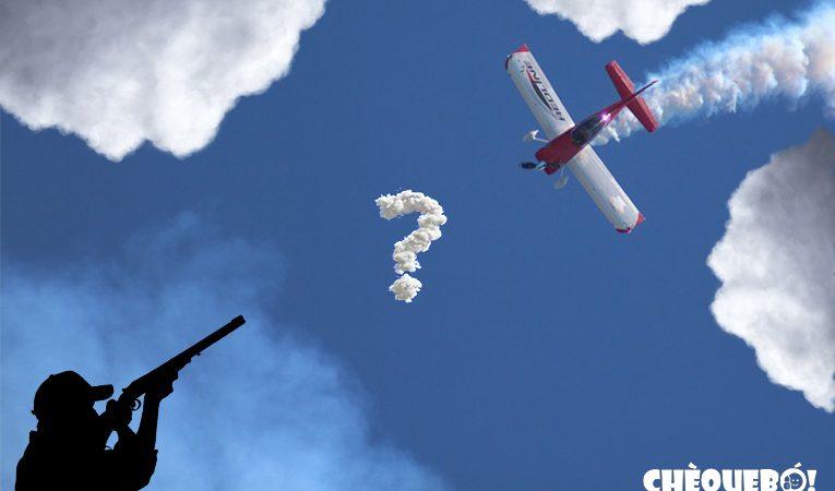 El misterio de la avioneta que dispersa las nubes