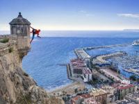 El afectado por la picadura de una araña violinista en Alicante, captado por un foto-aficionado