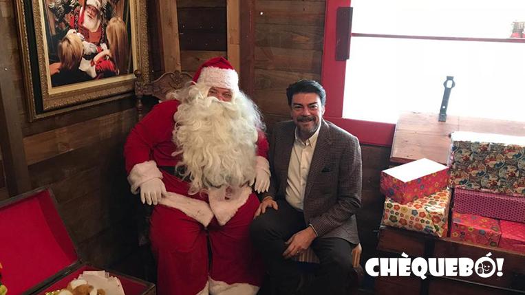 El alcalde de Alicante Luis Barcala en la casa de Papá Noel en 2018
