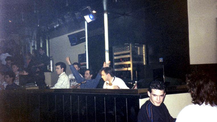 Imagen de una de las tardes de sesión en discoteca Bugatti de Alicante